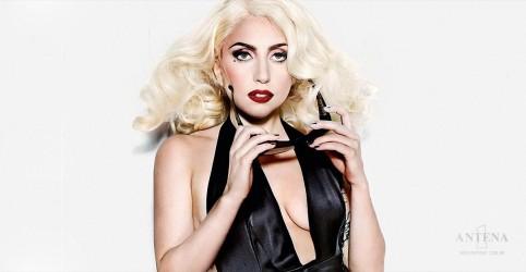 Lady Gaga faz apresentação surpresa em clube de jazz