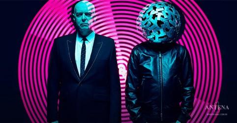 Pet Shop Boys faz show único e colorido em São Paulo; saiba como foi