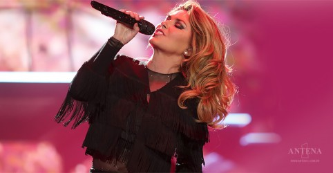 "Placeholder - loading - Shania Twain apresenta ""Life's About To Get Good""; confira"