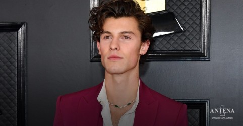 Placeholder - loading - Imagem da notícia Shawn Mendes lança single Summer of Love em novo vídeo