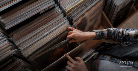 Placeholder - loading - Imagem da notícia Os discos mais vendidos na história da música