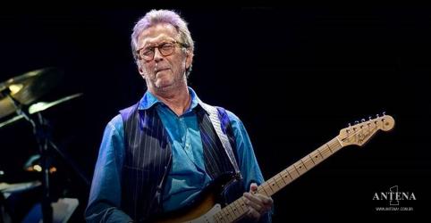 Placeholder - loading - Imagem da notícia Eric Clapton afirma que não irá performar em locais que exijam vacina