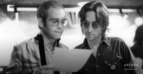 Placeholder - loading - Imagem da notícia Elton John lembra de amizade com John Lennon como destaque na carreira