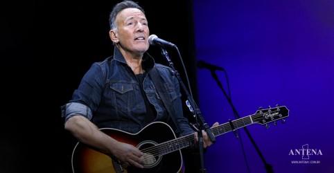 Placeholder - loading - Imagem da notícia Bruce Springsteen e Jon Stewart se apresentarão no evento Stand Up for Heroes