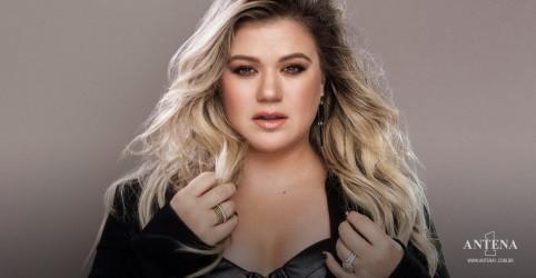 Placeholder - loading - Imagem da notícia Relembre os 10 maiores sucessos da Kelly Clarkson