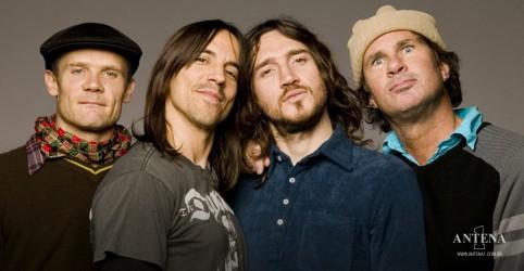 Placeholder - loading - Imagem da notícia Red Hot Chilli Peppers anuncia novo álbum e nova turnê mundial