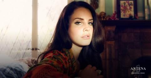 "Placeholder - loading - Imagem da notícia Lana Del Rey lança novo single, ""Arcadia"""