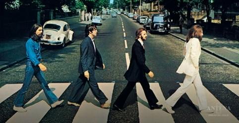 """Placeholder - loading - Imagem da notícia Álbum, """"Abbey Road"""", dos Beatles, retorna às paradas musicais"""