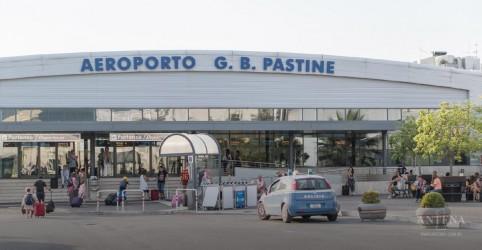 Placeholder - loading - Imagem da notícia Governo italiano autoriza abertura de aeroportos secundários