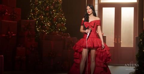 Placeholder - loading - Imagem da notícia Kacey Musgraves lança especial de Natal diferente