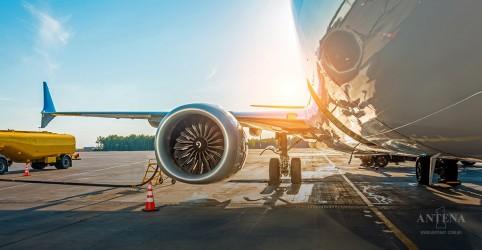 Placeholder - loading - Imagem da notícia Inovação pode colaborar para que os aviões poluam menos