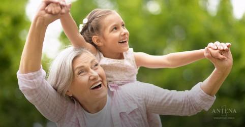 Placeholder - loading - Imagem da notícia Relação entre netas e avós pode ser bem grande