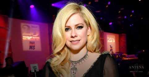 Placeholder - loading - Avril Lavigne é a Artista da Semana