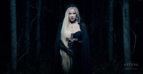 Placeholder - loading - Imagem da notícia Avril Lavigne libera cenas dos bastidores de novo clipe