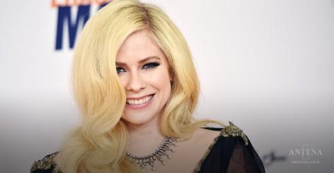 Placeholder - loading - Imagem da notícia Avril Lavigne participará de evento beneficente