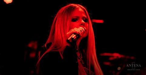 Placeholder - loading - Imagem da notícia Avril Lavigne lança novo clipe
