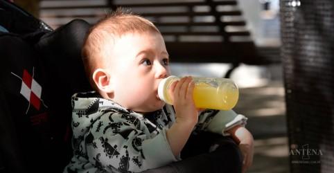 Especialista fala sobre o consumo de suco por crianças