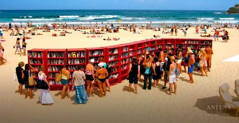 Placeholder - loading - Imagem da notícia Bibliotecas à beira-mar se espalham pela Itália
