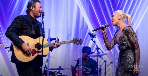 Blake Shelton e Gwen Stefani lançam canção de Natal