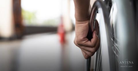 Placeholder - loading - Imagem da notícia Leis de acessibilidade inacessíveis para cadeirantes