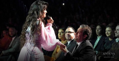 Camila Cabello faz público chorar no Grammy Awards