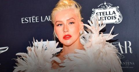 Placeholder - loading - Imagem da notícia Christina Aguilera fará faixa para A Família Addams