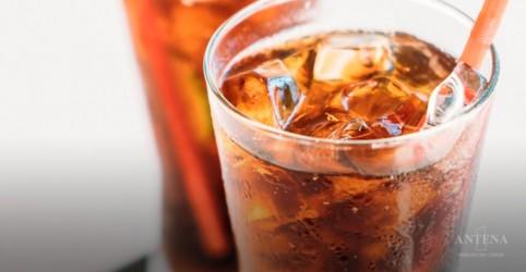 Placeholder - loading - Imagem da notícia Estudo evidencia os malefícios do refrigerante
