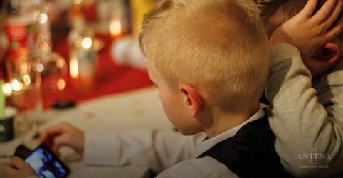 Estudo americano revela que as crianças estão passando muito tempo em frente às telas