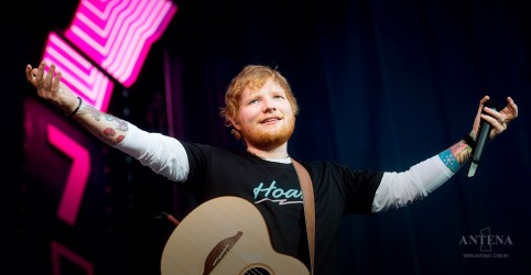 Placeholder - loading - Imagem da notícia Ed Sheeran volta a ocupar o topo do Billboard Artist 100