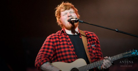 "Placeholder - loading - Ed Sheeran canta nos estúdios de Abbey Road no clipe de ""Best Part Of Me"""