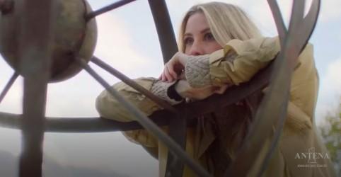 """Ellie Goulding lança clipe de """"River"""""""