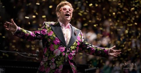 Placeholder - loading - Imagem da notícia Manuscritos com letras de Elton John serão leiloados