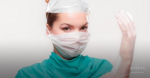 Especialistas chamam a atenção para a doença do implante mamário