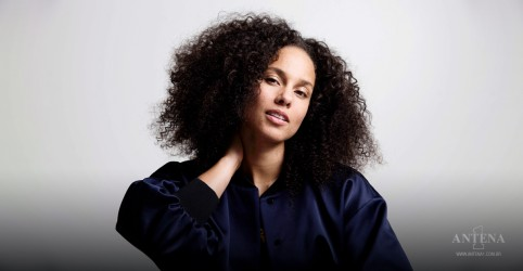 Placeholder - loading - Alicia Keys canta 'Love Looks Better' na abertura do NFL; assista
