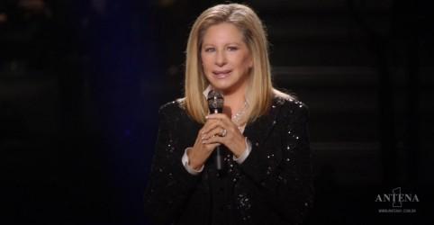 Placeholder - loading - Imagem da notícia Barbra Streisand lança clipe especial para You'll Never Walk Alone