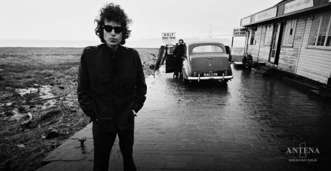 Placeholder - loading - Imagem da notícia Bob Dylan: Musical Girl from The North Country retorna a Broadway