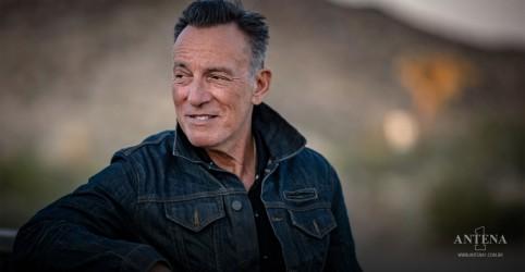 Placeholder - loading - Imagem da notícia Bruce Springsteen divulga novo álbum e toca conjunto acústico