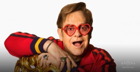 "Placeholder - loading - Imagem da notícia Elton John anuncia novas datas para a turnê ""Farewell Yellow Brick Road"""