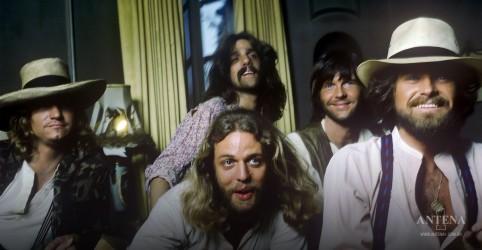 Placeholder - loading - Imagem da notícia Eagles adiciona shows a turnê de Hotel Califórnia