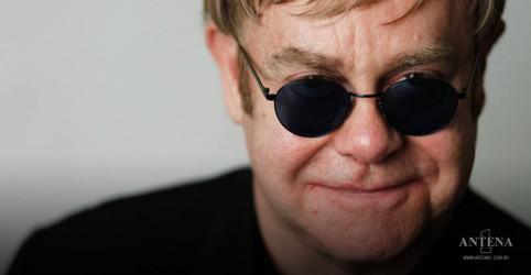 Placeholder - loading - Imagem da notícia Elton John anuncia datas finais para a turnê Farewell Yellow Brick Road