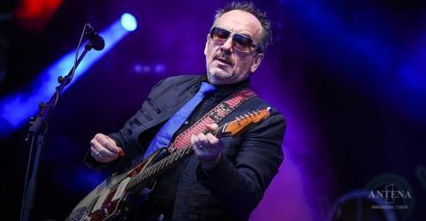 Placeholder - loading - Imagem da notícia Elvis Costello divulga nova música inédita 'No Flag'