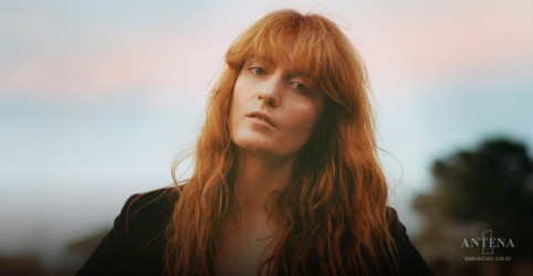 Placeholder - loading - Imagem da notícia Light of Love é o novo single de Florence and The Machine!