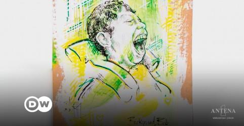 Placeholder - loading - Imagem da notícia Garoto com deficiências inspira artistas em todo o mundo