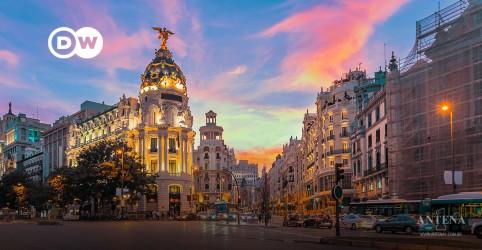 Placeholder - loading - Imagem da notícia Madri atrai turistas com restrições leves contra a Covid-19