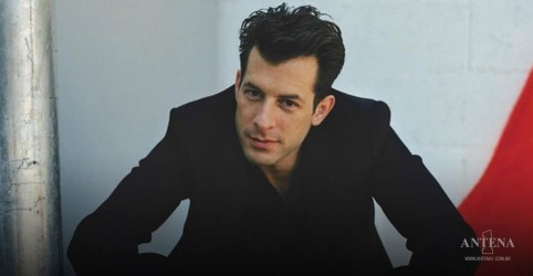 Placeholder - loading - Mark Ronson relembra de Back to Black de Amy Winehouse