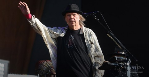 Placeholder - loading - Imagem da notícia Vacancy é o novo single de Neil Young!