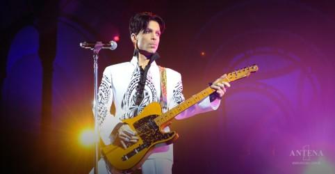 Placeholder - loading - Imagem da notícia Prince: Reedição de álbum icônico é anunciada!