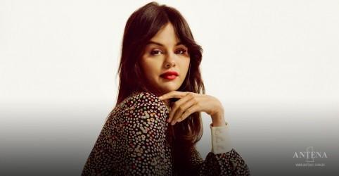 Placeholder - loading - Imagem da notícia Selena Gomez revela lista de faixas de 'Revelación'