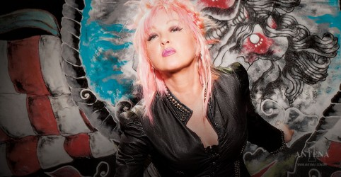 Placeholder - loading - Cyndi Lauper comemora 65 anos!