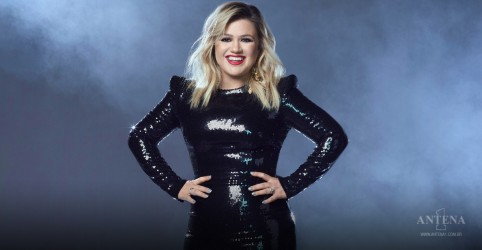 Placeholder - loading - Kelly Clarkson faz cover de LeAnn Rimes
